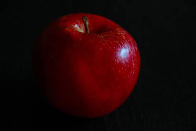 Photograph - Red Apple by Dragan Kudjerski