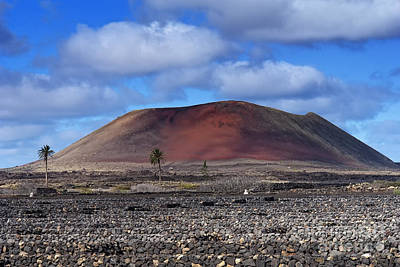 Photograph - Red Mountain by Roberto Bettacchi