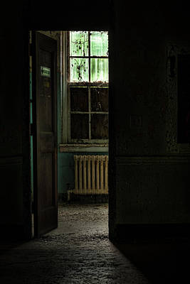 Photograph - Resuscitator Room by Gary Heller