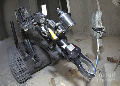 Improvised Explosive Device Photograph - Retractable Arm Of Talon 3b Robot by Stocktrek Images