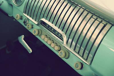 Photograph - Retro Radio by Joel Witmeyer