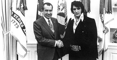 Richard Nixon Meets With Elvis Presely Art Print by Everett