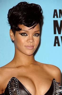 Rihanna Wall Art - Photograph - Rihanna In The Press Room For American by Everett