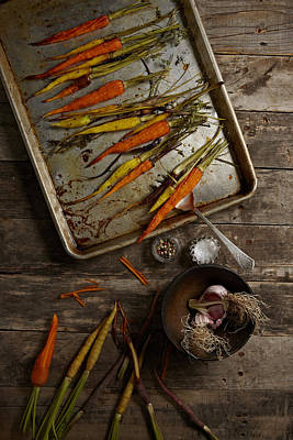 Y120817 Photograph - Roasted Carrots And Garlic by Lew Robertson