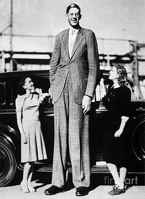 Maureen Photograph - Robert Pershing Wadlow, Tallest Man by Science Source