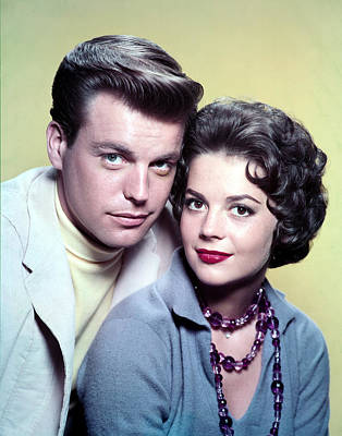 Wood Necklace Photograph - Robert Wagner, Natalie Wood In The 1950s by Everett