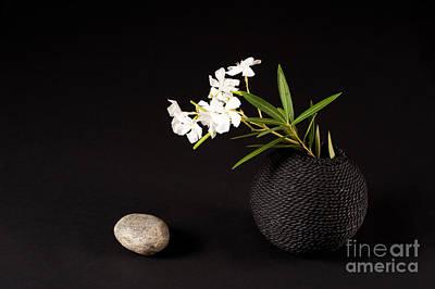 Rock Vase Flower Original