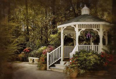 Photograph - Romantic Garden by Cheryl Davis