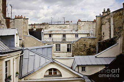 Photograph - Roof Tops by RicharD Murphy