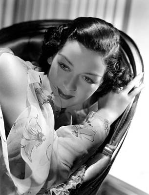 Hurrell Photograph - Rosalind Russell In A Hurrell Portrait by Everett