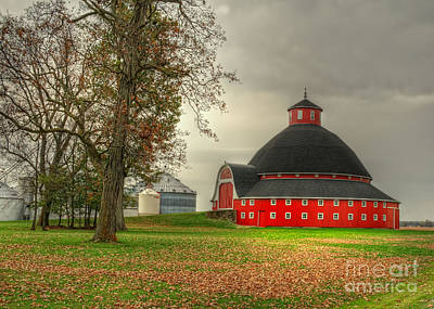 Round Barn Photograph - Round Barn Of Ohio by Pamela Baker