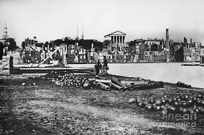 Virginia Ruins Photograph - Ruins Of Richmond by Photo Researchers