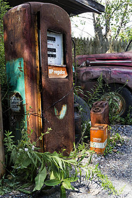 Gas Pump Wall Art - Photograph - Rust Never Sleeps 2 by Peter Chilelli