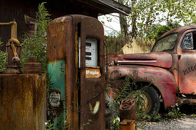 Gas Pump Wall Art - Photograph - Rust Never Sleeps by Peter Chilelli