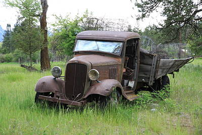 Photograph - Rustic Old Truck by Athena Mckinzie