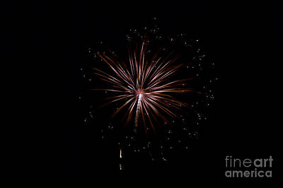 Photograph - Rvr Fireworks 129 by Mark Dodd