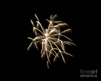 Photograph - Rvr Fireworks 130 by Mark Dodd