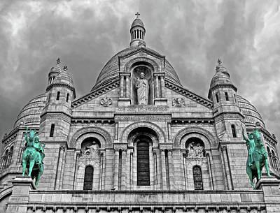 Art Print featuring the photograph Sacre Coeur Montmartre Paris by Dave Mills