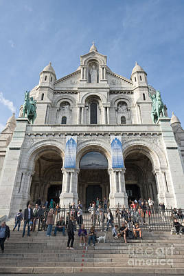 Photograph - Sacre Coeur Parvis And Facade by Fabrizio Ruggeri