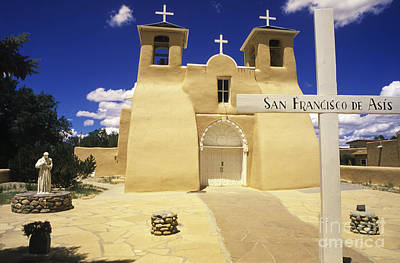 Photograph - San Francisco De Asis Taos New Mexico by Bob Christopher
