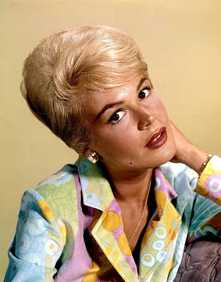 Beauty Mark Photograph - Sandra Dee, Ca. Early 1960s by Everett