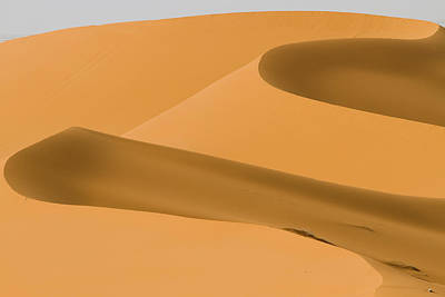 Saudi Sand Dune Art Print by Universal Stopping Point Photography