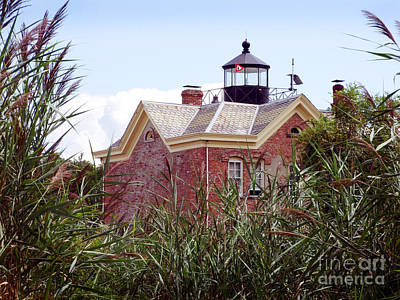 Photograph - Saugerties Lighthouse Photograph by Kristen Fox