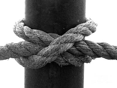 Photograph - Saugerties Lighthouse Rope Knot Photograph by Kristen Fox
