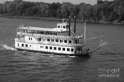 Photograph - Savannah Riverboat Georgia Queen by John Black