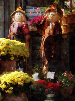 Chrysanthemums Photograph - Scarecrows And Mums by Susan Savad