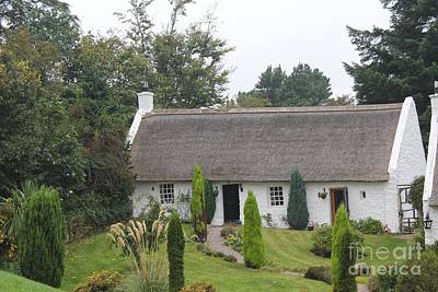 Photograph - Scottish Thatched Cottage by David Grant