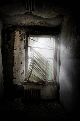 Photograph - Secret Window by Emily Stauring