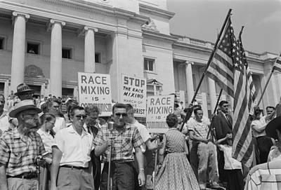 Segregationist Rally In Little Rock Print by Everett