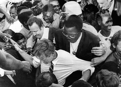 Rfk Photograph - Sen. Robert Kennedy Tugged by Everett