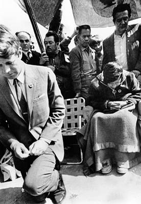 Sen. Robert Kennedy Worships With Cesar Art Print by Everett