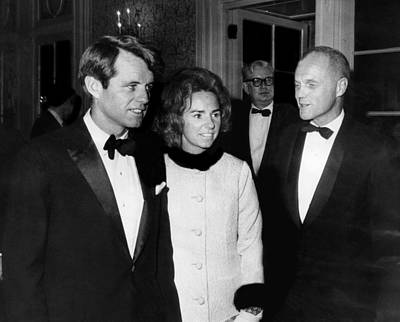 John F. Kennedy Plaza Photograph - Senator Robert F. Kennedy, Ethel by Everett