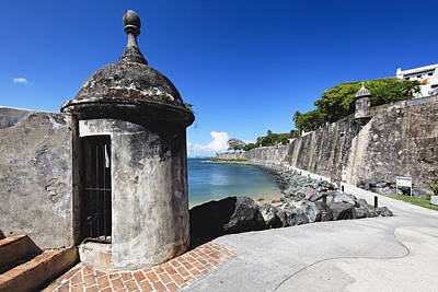 Sentry Post On Paseo Del Morro Art Print by George Oze