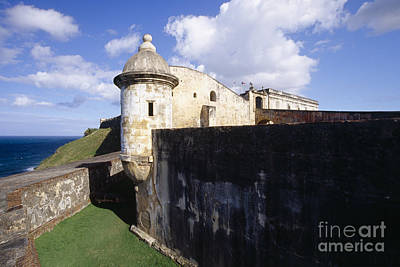 Sentry Post On The Wall In San Cristobal Fort Art Print by George Oze
