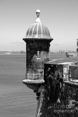 Sentry Tower Castillo San Felipe Del Morro Fortress San Juan Puerto Rico Black And White Art Print by Shawn O'Brien