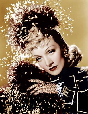 Incol Photograph - Seven Sinners, Marlene Dietrich, 1940 by Everett