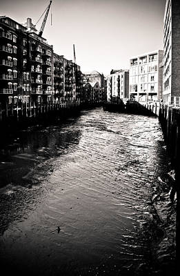 Print featuring the photograph Shad Thames Wharf by Lenny Carter