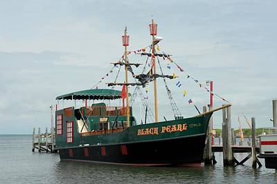 Pirate Haven Photograph - Ship 34 by Joyce StJames