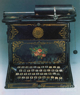 Photograph - Sholes And Glidden Typewriter by Science Source