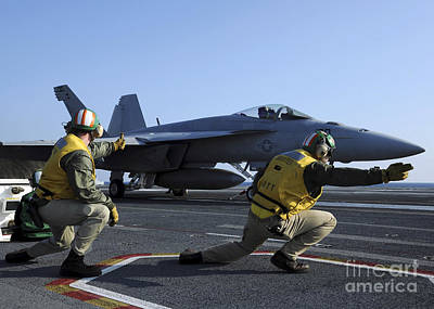 Shooters Aboard The Uss George H.w Art Print