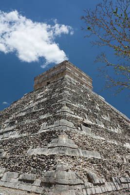 Side View Of Chichen Itza Pyramid Art Print