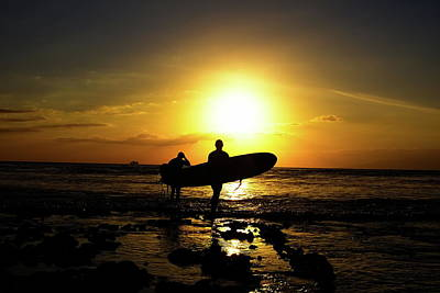 Surf Photograph - Silhouette Surfers by Rolfo