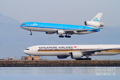 Singapore Airlines And Klm Airlines Jet Airplane At San Francisco International Airport Sfo 7d12153 Art Print