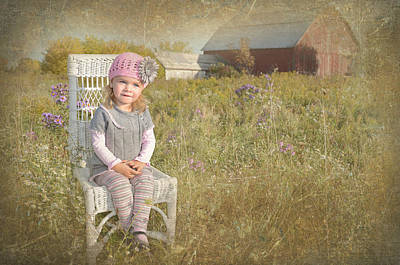 Youngsters Mixed Media - Sitting Pretty by Maria Dryfhout