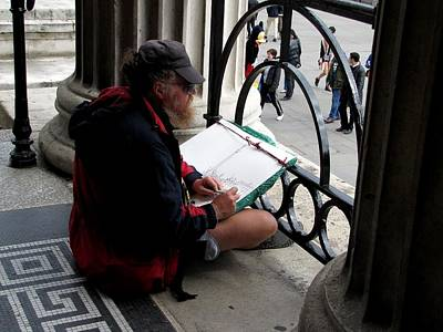 Photograph - Sketching Trafalgar Square by Keith Stokes