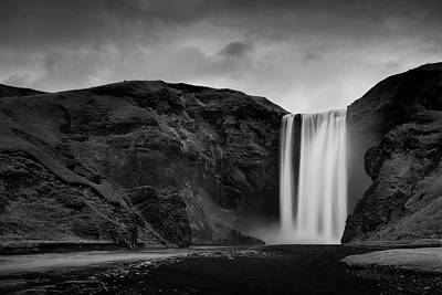 White And Black Waterfalls Photograph - Skógafoss Waterfall by Mark Voce Photography